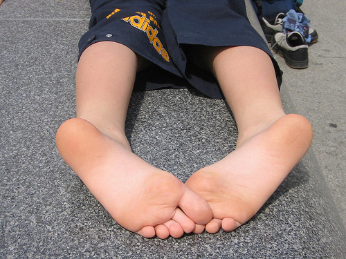 Comment Apprendre la photo pieds - Auteur Picstout