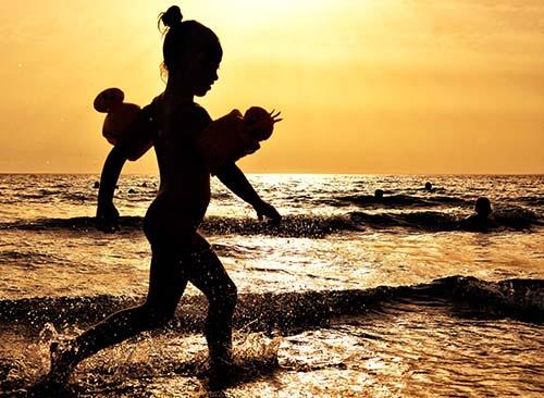 ombre chinoise sur la plage